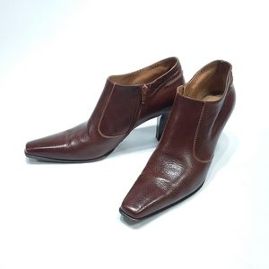 Ferragamo brown leather booties size 9.5 Narrow